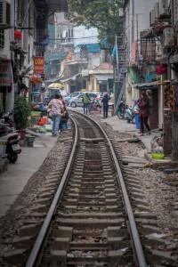 Bahnlinie mitten durch die Stadt