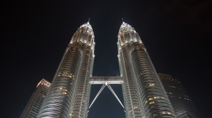 Petronas Towers am Abend