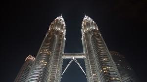 Petronas Towers am Abend